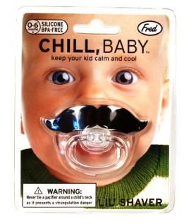 Suce pour bébé avec moustache ! (Movember)