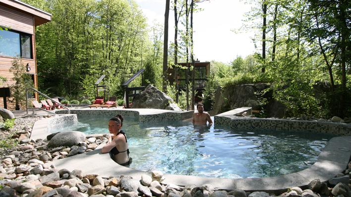 acc s aux bains nordiques la source bains nordiques id e cadeau qu bec. Black Bedroom Furniture Sets. Home Design Ideas