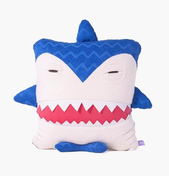 Requin – Velvet Moustache