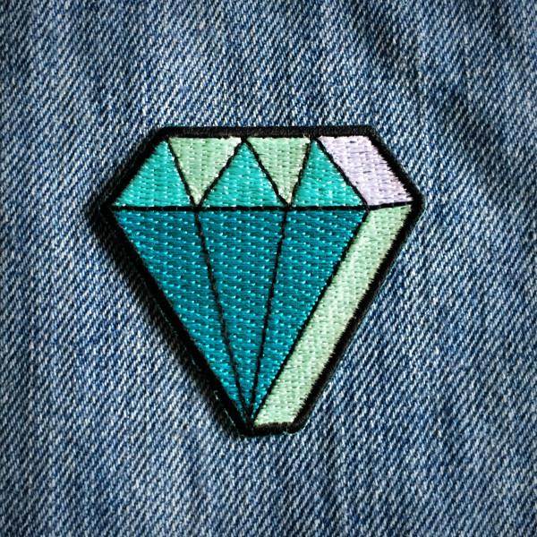 Cliquez ici pour acheter Écusson – Le Diamant
