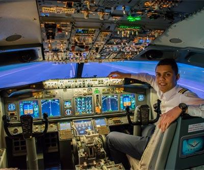 C'est vous le pilote! Prenez les commandes d'un simulateur Boeing 737 à partir de 99$!