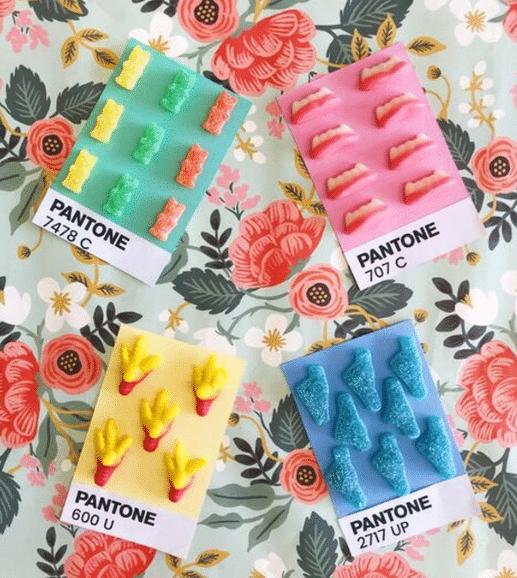 Abonnement 12 mois – Boîte à bonbons