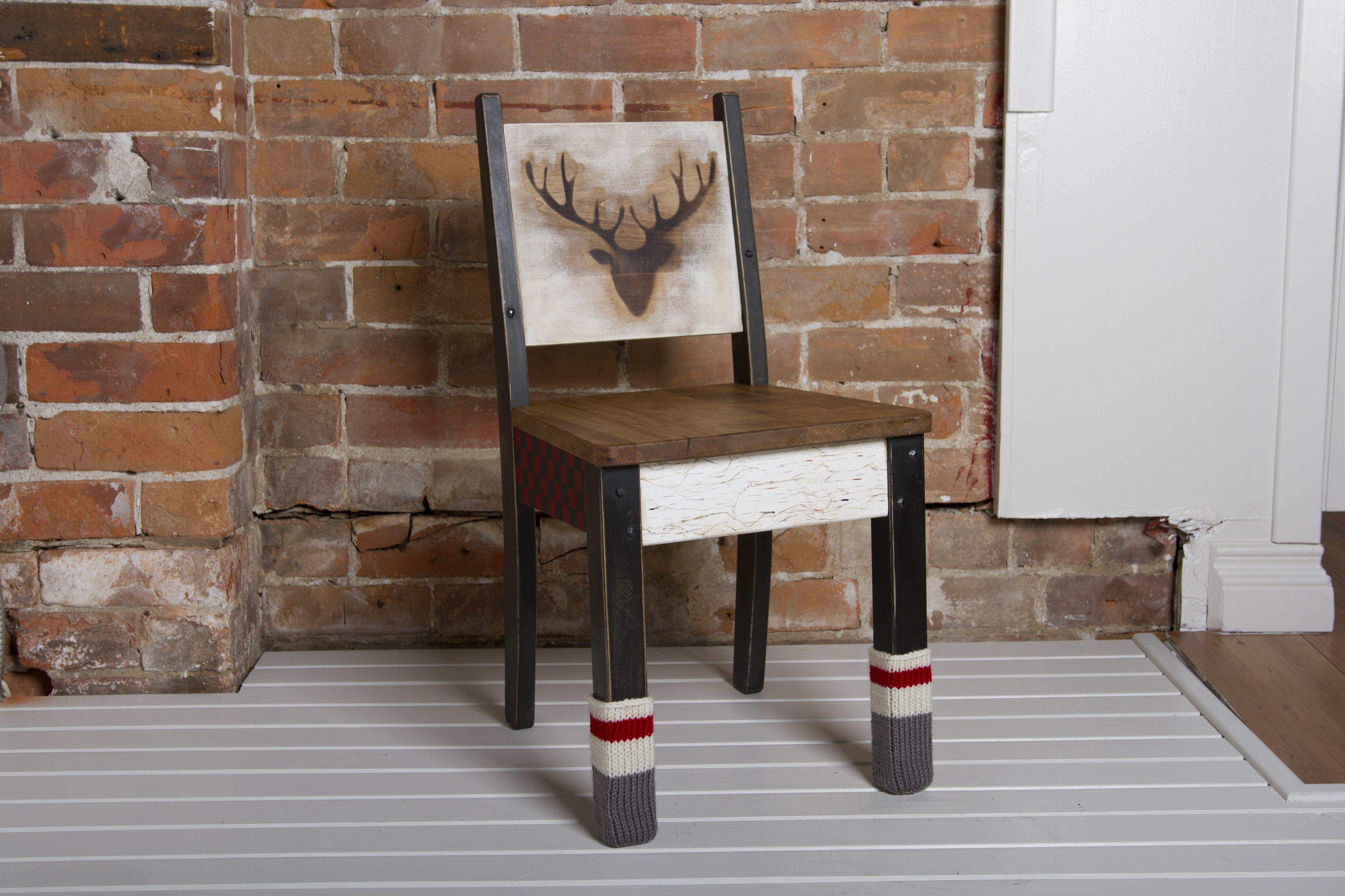 Chaise de bois – Le Chalet