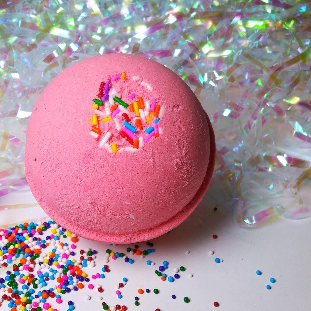 Cliquez ici pour acheter Bombe pour le bain – Gâteau d'anniversaire