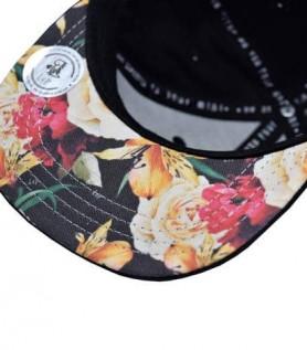 Casquette noire et fleurie