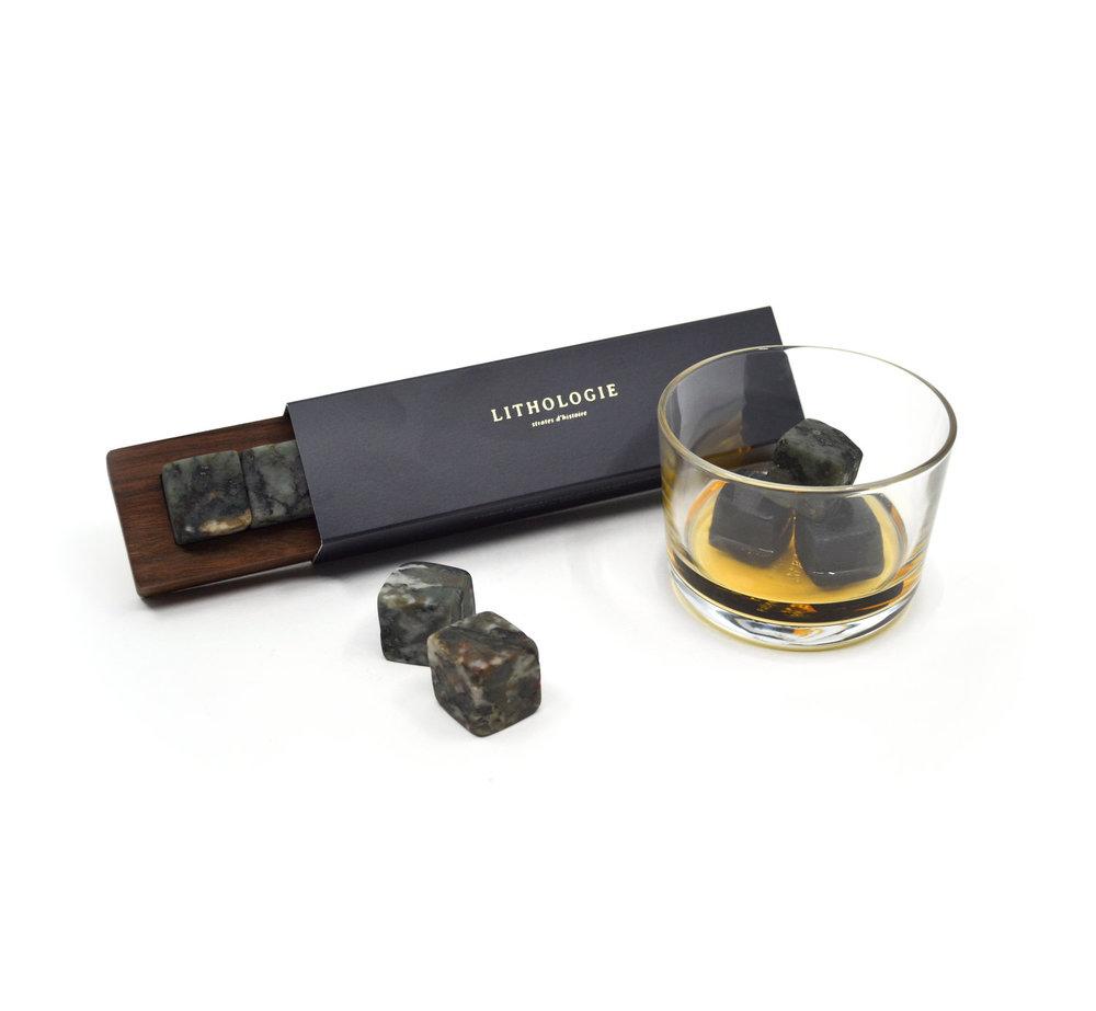 Pierres à Whisky (6) – Gneiss à Hornblende + Boîtier