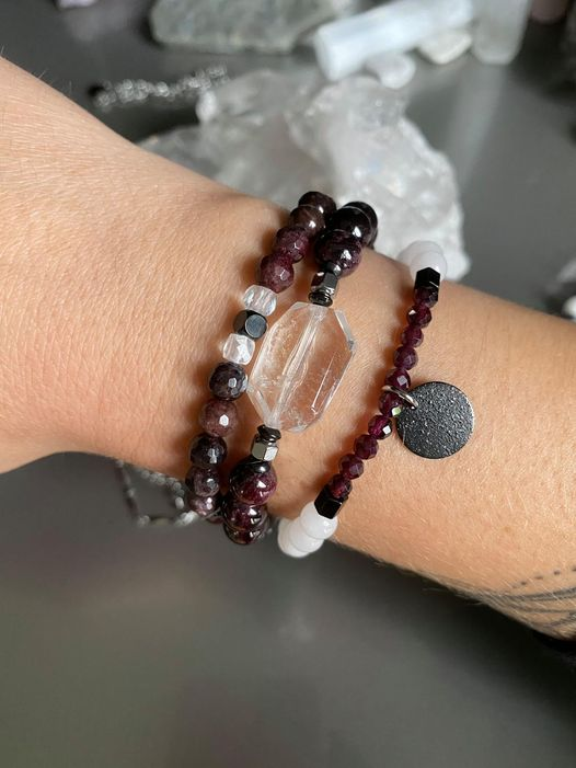 Cliquez ici pour acheter Ensemble de bracelets – Stevie