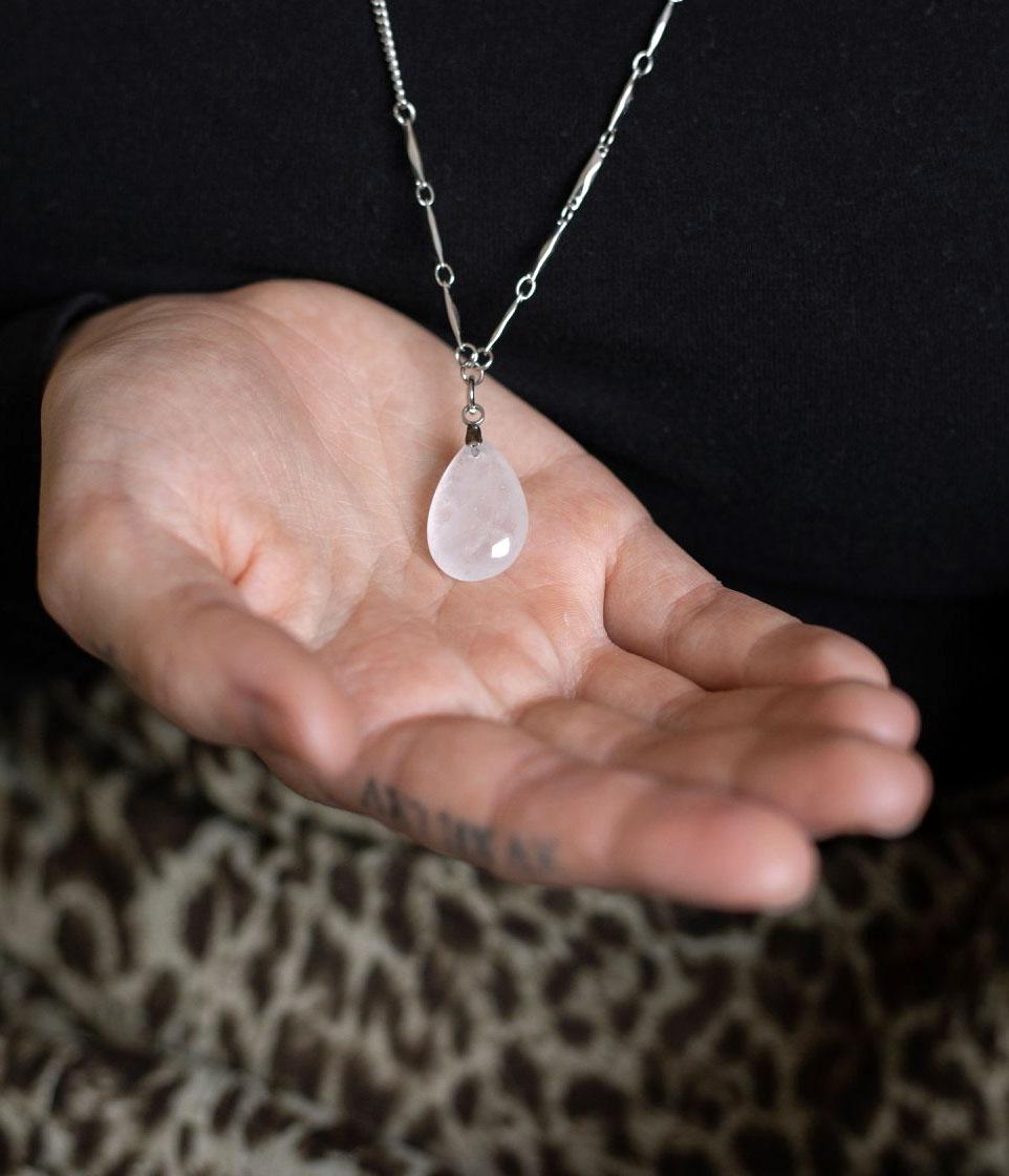 Cliquez ici pour acheter Collier à quartz blanc – Taylor