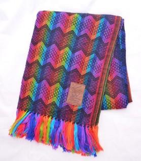Couverture colorée en laine d'alpaga