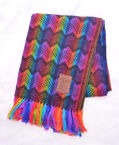 Cliquez ici pour acheter Couverture colorée en laine d'alpaga