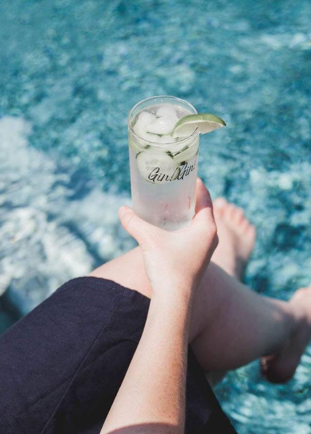 Cliquez ici pour acheter Verre à cocktail – Gin! Gin!