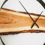 Horloge en cerisier