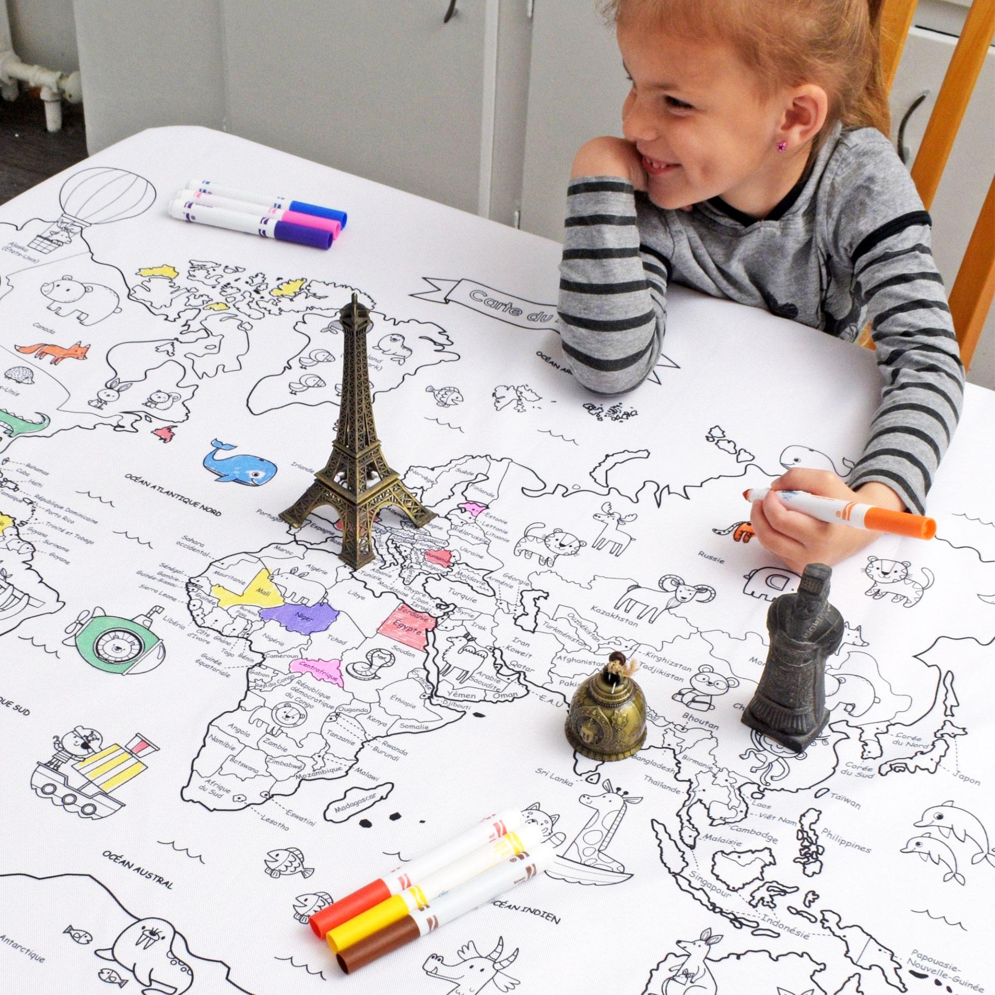 Cliquez ici pour acheter Nappe éducative à colorier – Carte du monde
